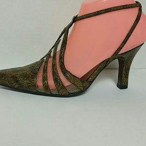 Bellini Vince 47 Size 6.5 W pointed toe Heels